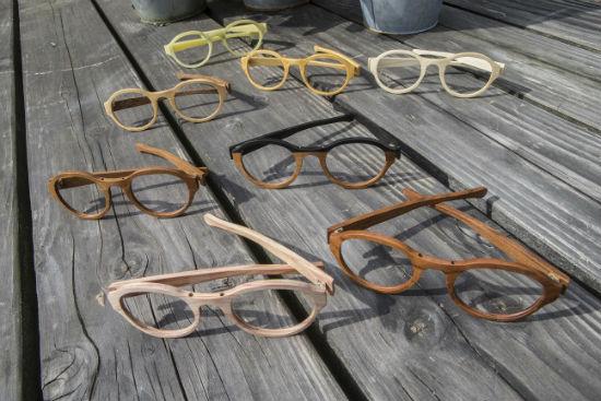 8a2d82f16caf57 Er was een klein probleem  Anko had geen enkel idee hoe je een bril maakt
